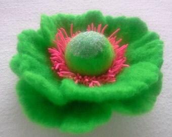 Felt Brooch Poppy brooch, Wool Felt Jewelry, Green Flower Brooch, Felt Flower Pin, Green Poppy Pin, Wool Brooch, Gift for her, Handmade art