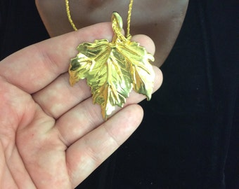Vintage Gold Tone Leaf Necklace