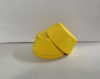 50 count - Grease Resistant Yellow standard size cupcake liners/baking cups