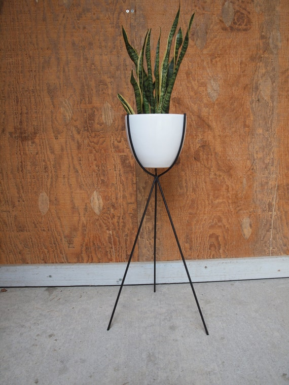 mid century bullet plant stand white. Black Bedroom Furniture Sets. Home Design Ideas