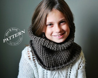 CROCHET PATTERN - Ribbed-Edge Cowl Pattern, Infinity Cowl Pattern, Infinity Scarf Pattern, Easy (Toddler, Youth & Adult Sizes) pdf #009S