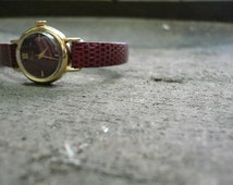 PULSAR -wristwatch for ladies , vintage with leather belt...