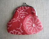 Kimono shibori coin purse, Red kimono fabric, Women's red wallet, Small wallet, Kiss lock frame purse, Gamaguchi, Mini cosmetic bag
