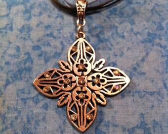 Floral Necklace - Silvertone