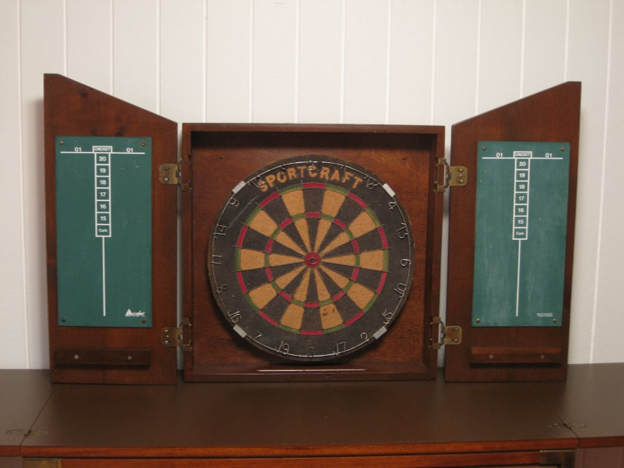 Cock And Fox Grog Amp Ale Vintage Dart Board Cabinet