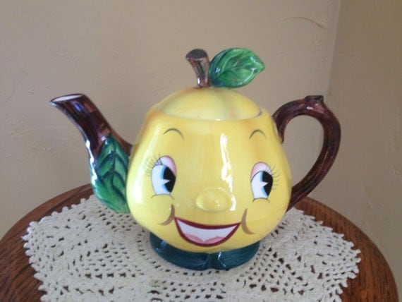 Vintage 1940's teapot byPY Japan Figural Lemon Smiling Tea Pot-Fun  Collectible Great Condition