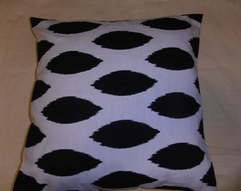 premier prints chipper black and white content 100%cotton pillow cover  with button in the back for opening.