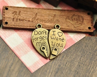 20 pairs of antiqued bronze  Lovers charm pendants  25x12mm sweethearts  love pendants