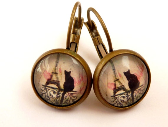 Bronze colored earrings with Eiffel Tower and cats silhouette, Paris Earrings, France, round earrings, glass earrings, glass cabochon