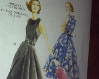 Elegant Vintage Vogue Original Design Pattern