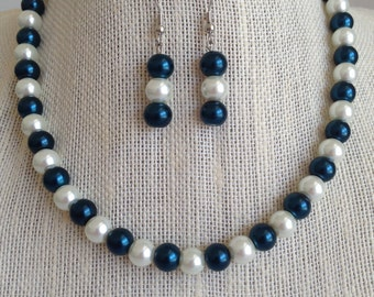Dark Navy Blue Necklace, Navy Blue Wedding Jewelry, Blue Pearl Necklace, Navy Blue Bridesmaid Necklaces, Bridal Party Jewelry Gift