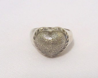 Vintage Sterling Silver Heart Ring Size 7.75