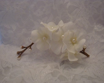 Flower Hair Clip Bridal Hair Accessories Wedding Fascinator White Wildflower Headpiece  Rustic Wedding Handmade Accessory