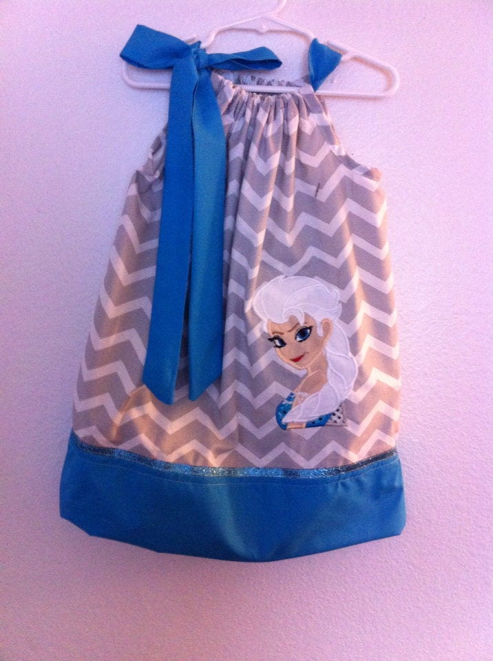 A cute pillowcase dress of Elsa