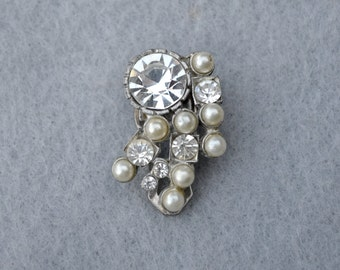 Rhinestone and Faux Pearl Silver Tone Dress Clip Vintage