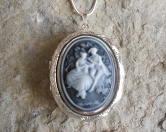 Cameo Locket!!! Victorian Romance (Courting)!!! High Quality!!!  Weddings, Photos, Keepsakes