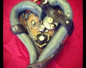 """Steampunk;heart;pendant;brooch;polymer clay;""""Love you madly"""";gears;watch parts;vintage;mixed media;handmade"""