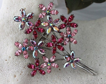 GORGEOUS! HIGH Quality Vintage 50's Brooch in MINT condition.!