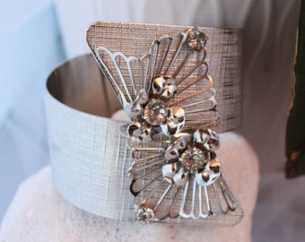 VARGAS Vintage CLAMPER CUFF 70's piece ,signed! Gorgeous!