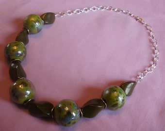 Green Porcelain and Chain Necklace