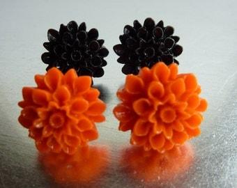 Black and Orange Chrysanthemum Flower Halloween Stud Earring Set, Polymer Clay Cabochons on Nickel Free Posts