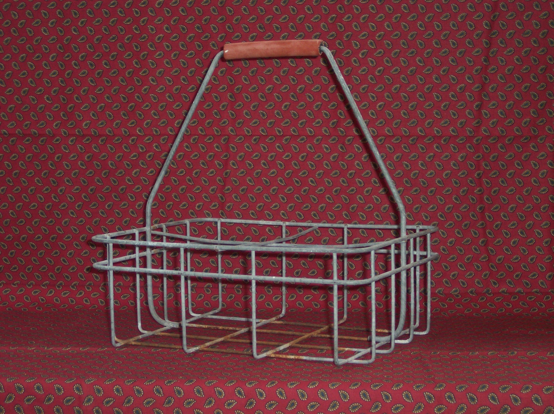 vintage metal milk bottle carrier original red rubber handle. Black Bedroom Furniture Sets. Home Design Ideas