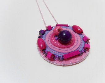 Geometric beaded necklace, Felt necklace, Round necklace, Handmade necklace, Pink and purple circular necklace