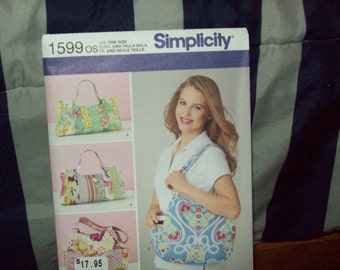 Simplicity craft pattern, three versions of tote bags