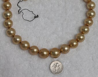 "One 17 1/2"" inches Long Natural Golden south Sea Pearls Bead Strand"