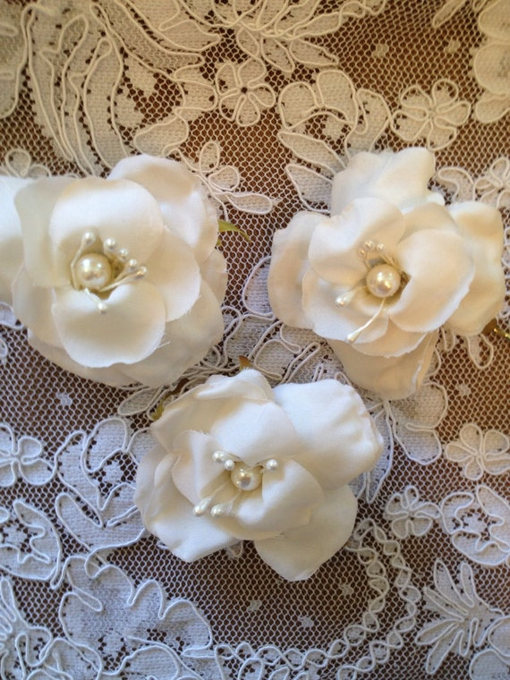 Vintage Flower Bobby Pins, Wedding Hair Pins, Ivory Rose Bobby Pins, Bridal Hair Accessories, Boho Bridal Pins,  Bridal Bobby Pins - 3 Set