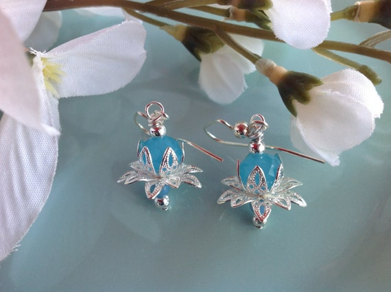 Swarovski earrings, Beaded earrings, aqua earrings, trendy jewelry, crystal earrings, cottage chic jewelry