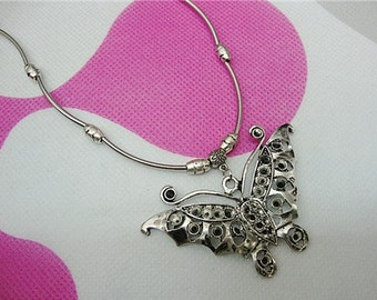 Free Shipping - Tibetan Silver Huge Butterfly Dangle Amulet Pendant Necklace
