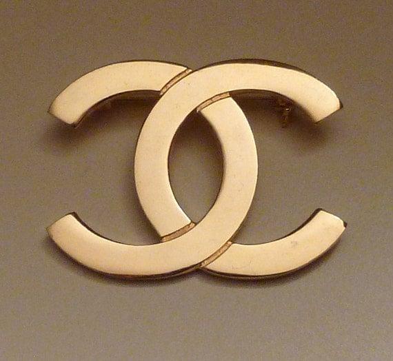 Coco Chanel Logo CC Paris Interlocking C Gold Tone Metal Lapel
