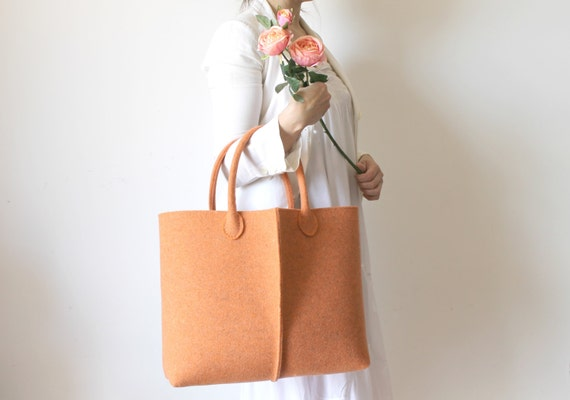 Discount: ORIGINAL PRICE 92,67 DOLLARS - Elegant and Casual Felt Bag from Italy, Tote Bag, Felted bag, Market Bag.