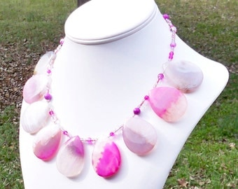 SALE - Ateria - GORGEOUS Chunky Pink Juicy Agate 30mm x 40mm Teardrop Gemstone Beaded Necklace