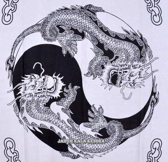 tha dragon impression tapisserie blanche par jaipurkalakendra. Black Bedroom Furniture Sets. Home Design Ideas
