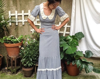 BEAUTIFULvintage blue and white gingham collared prairie gown xs