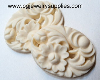 40mm x 30mm oval Ivory scalloped cabochon floral resin 2 piece lot l