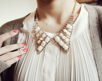 Shining Beautiful Crystal Bowknot Fake Collar Necklace ---- Increasing Your Charm