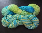 Lime & Curaçao, immersion dyed fingering yarn
