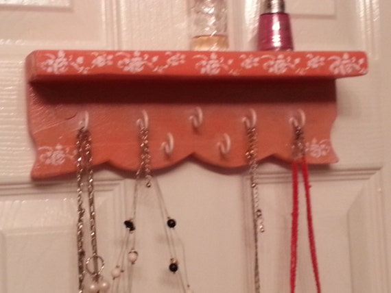 Key hanger shelf
