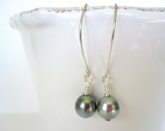 Tahitian Pearl and Silver Dangle Earrings - pearl drop earrings - silver pearl earrings - black pearl earrings - sterling silver earrings