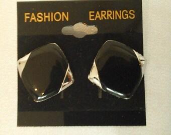 black/gold clip on earrings