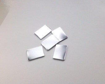 UK made 20x30mm quality Aluminium blanks 20 x 30mm rectangle 1.5mm thick with/without holes.