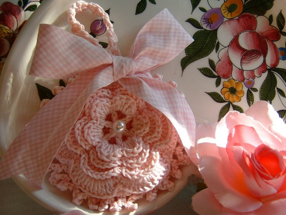 Crochet Wedding Gift: Crochet Wedding Favor Bag With A Romantic Rose Of Ireland