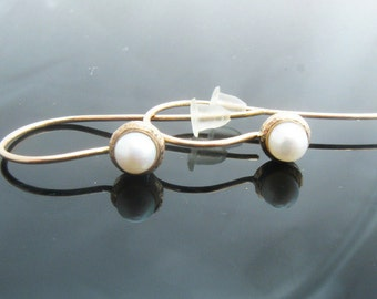 White pearl earrings in 14k gold, 14k gold earrings, pearl jewelry, bridal jewelry, freshwater pearls
