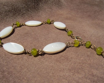 Shell & Lime Glass Bracelet