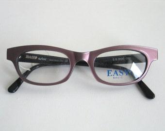 Easy-basic handmade vintage eyeglasses frame for prescription. Made in Italy in the 80's.