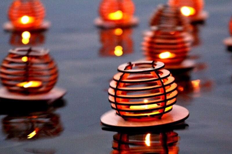 3pk Waterlilies Wooden Floating Tea Light Lanterns Dancing