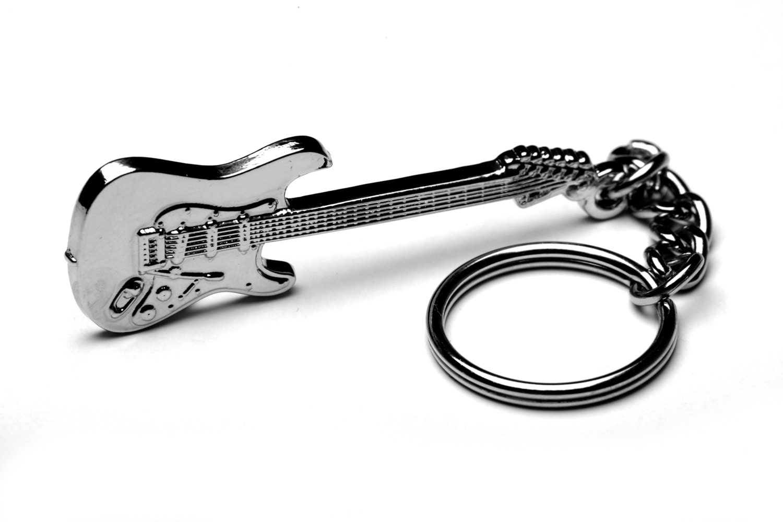 fender stratocaster trousseau grand cadeau pour guitariste. Black Bedroom Furniture Sets. Home Design Ideas